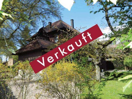 Großzügige Backsteinvilla in guter Lage von Alpen