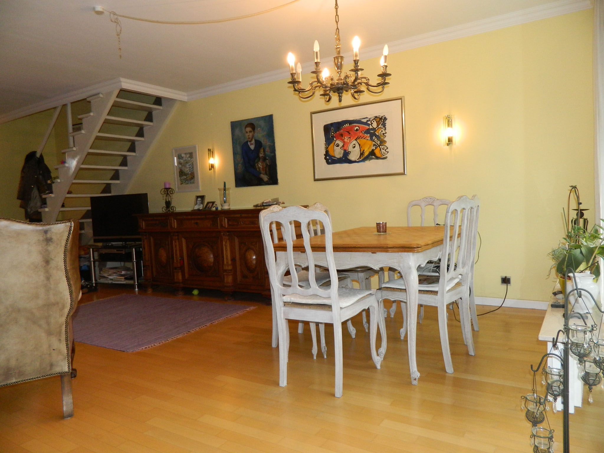 ... Wohnzimmer (2) ...
